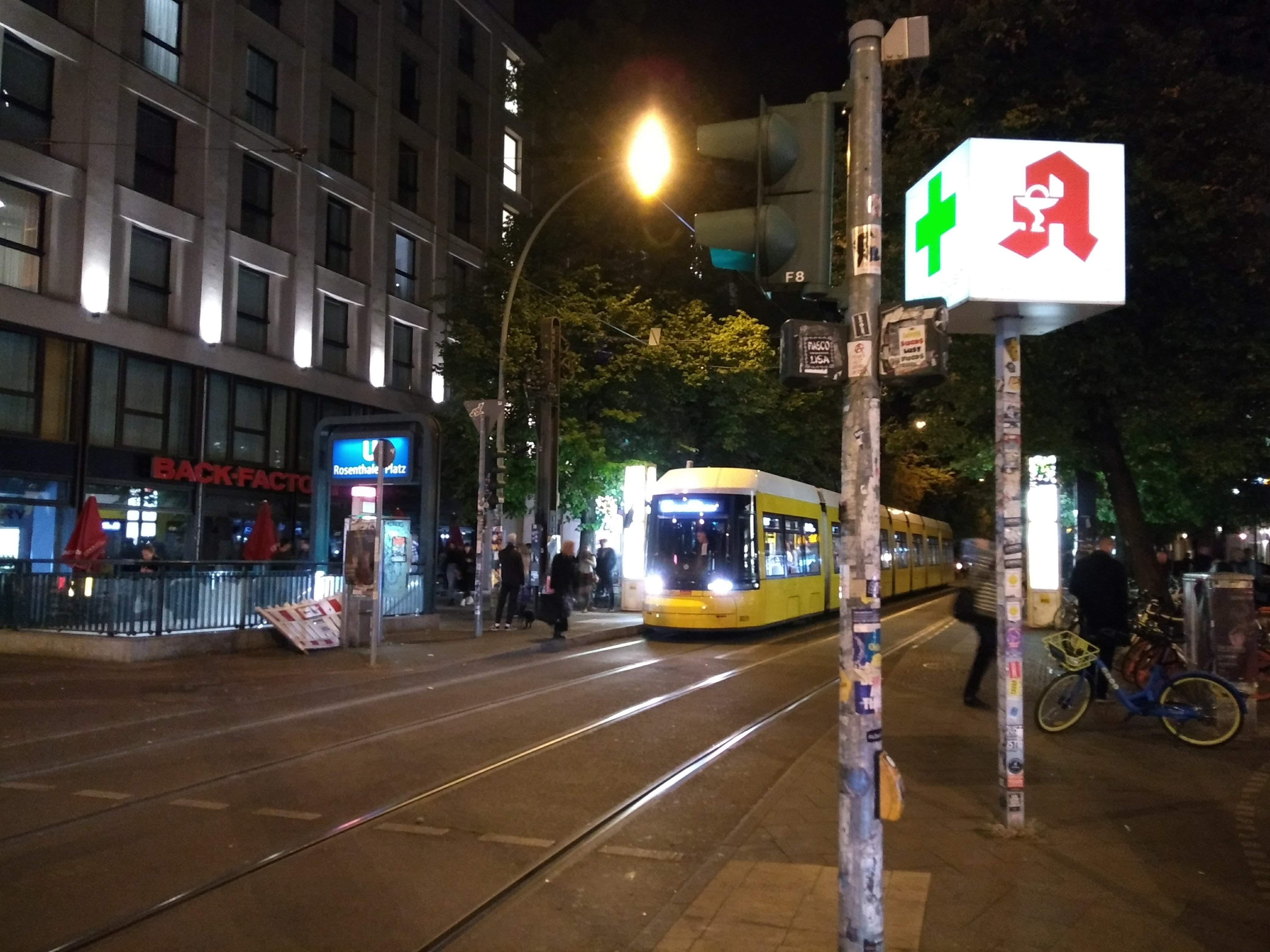Strassenbahnen und Nachtleben in Berlin